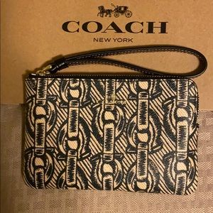 Couch Wristlet